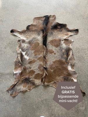 Gevlekte geitenhuid 85x75 cm.