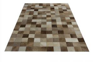 taupe koeienkleed tapijt